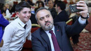 Başkan Bursa'yı ulaştıran ekiple buluştu